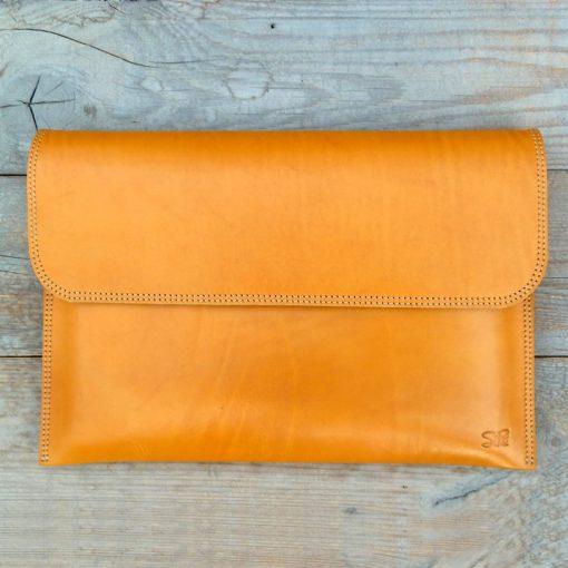leather sleeve-light cognac