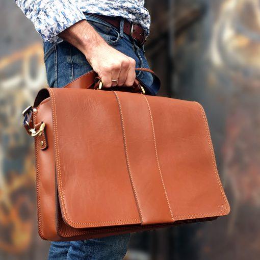 messengerbag_15.6 inch_cognac
